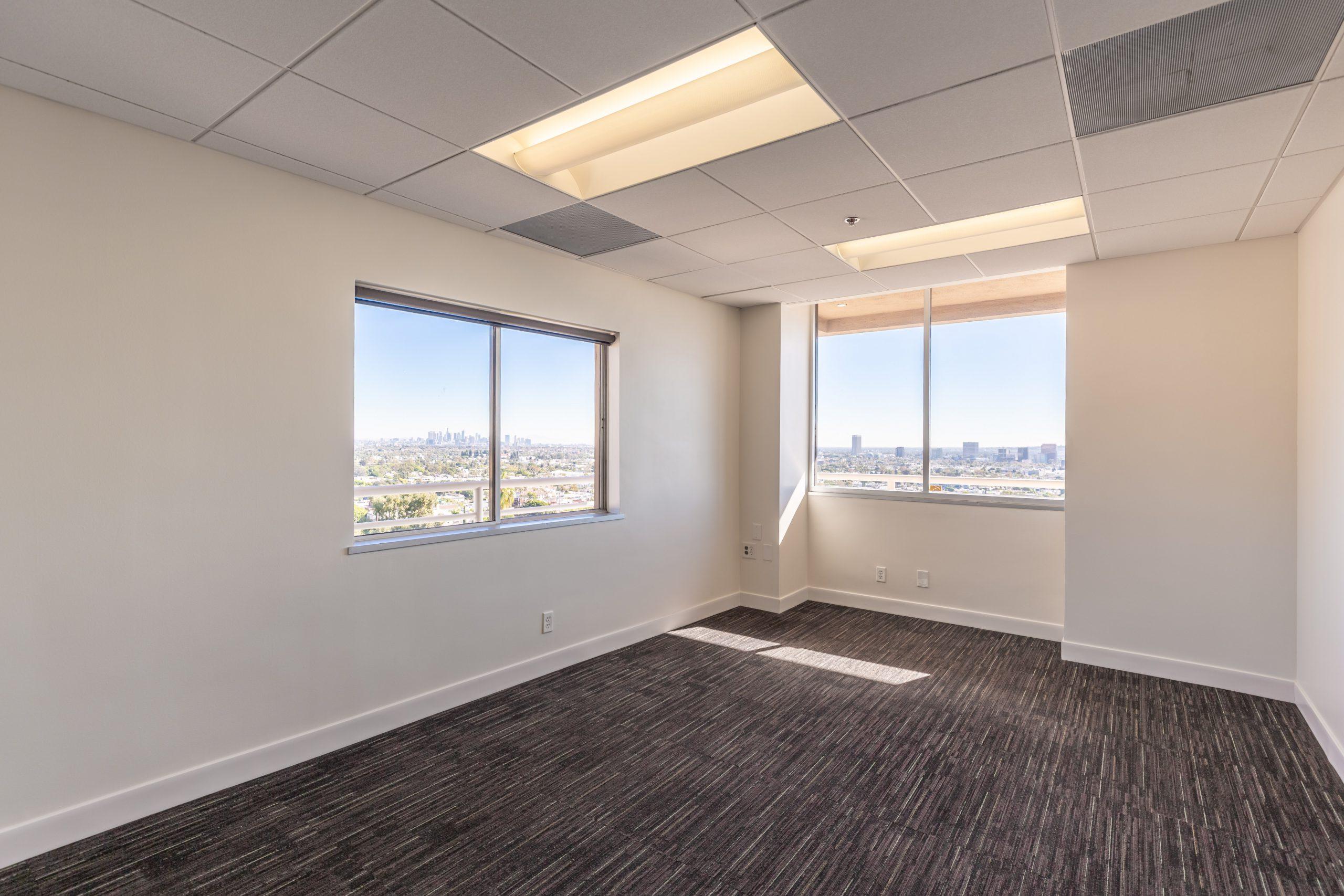Suite 600 West